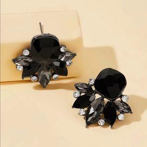 Jewelry - Beautiful gem black and rhinestone earrings